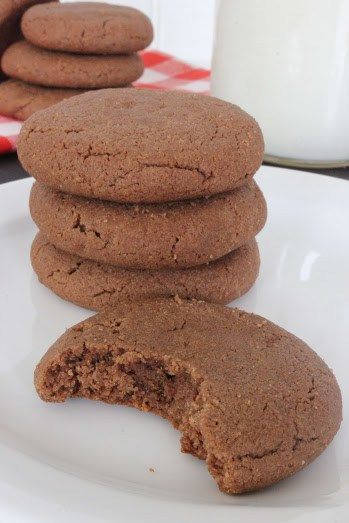4 ingredient chocolate peanutbutter cookies