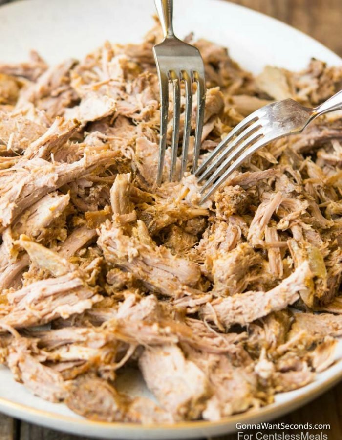 Crockpot pulled pork in sweet bbq sauce