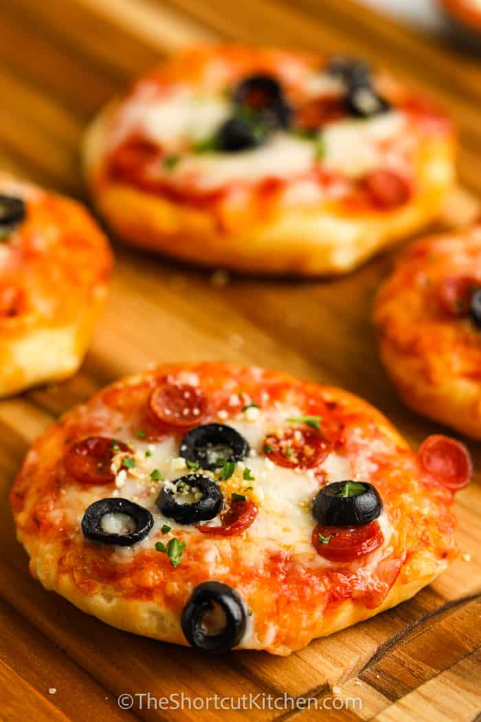 close up of Air Fryer Mini Pizzas
